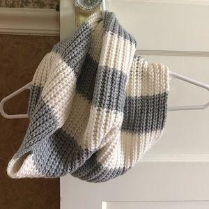 Gray/White Stripe Scarf
